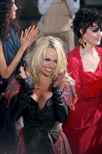 Pamela Anderson'dan en seksi pozlar... - 273