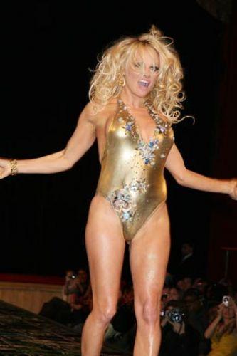 Pamela Anderson'dan en seksi pozlar... - 280