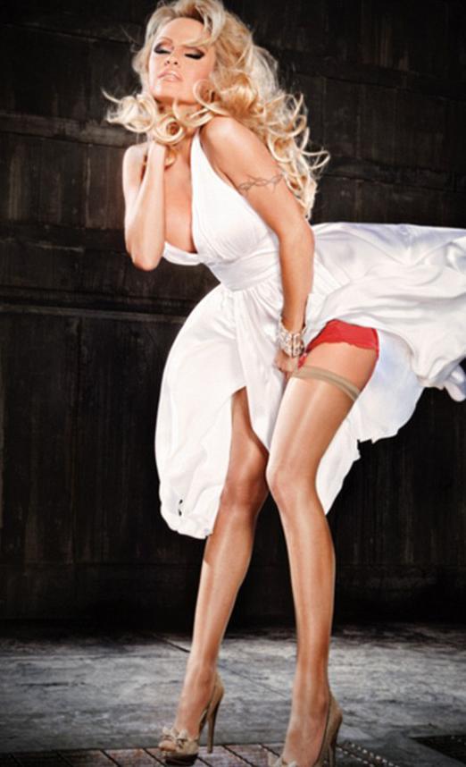 Pamela Anderson'dan en seksi pozlar... - 47