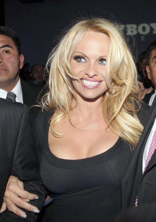 Pamela Anderson'dan en seksi pozlar... - 31
