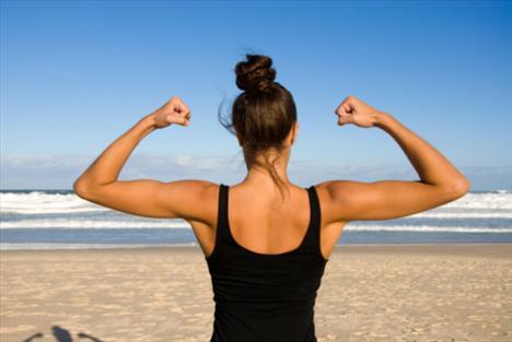 Daha fazla protein kas yapmanızı sağlar:  Doğru değil. Egzersiz kas yoğunluğunuzun artmasını sağlar ve eğer kaslarınızı hareket ettirmezseniz, hiçbir protein desteği bunu yapamayacaktır.