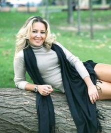 """""""Bez Bebek'te matematik öğretmeni Mimi karakteriyle katılan Pınar Aylin sadece 10 bölüm rol alabildi."""