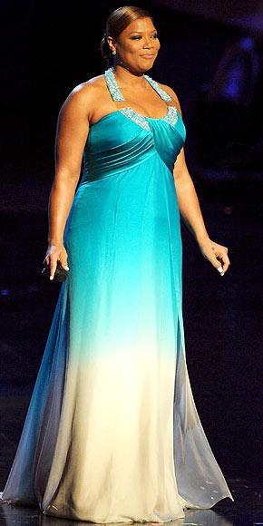 Gecenin sunucusu Queen Latifah, Georges Chakra tuvaletinin içinde çok zarifti.