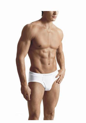"""Slip mayo  Amerika sahillerinde slip giyen bir erkek görüldüğünde şöyle derler: """"Ya Alman ya da gay..."""" Alman değilseniz ve kadınlara ilgi duyuyorsanız, slip mayoları yok etmelisiniz. Yüzücüler haricinde kimse giymiyor."""
