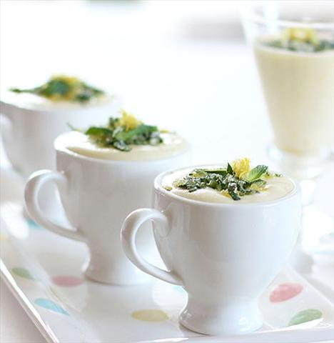 En lezzetli ve pratik İtalyan tarifleri  Naneli limonlu soğuk tatlı