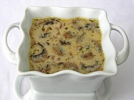 En lezzetli ve pratik İtalyan tarifleri  Kremalı mantar çorbası  Tarifi görmek için tıklayın!