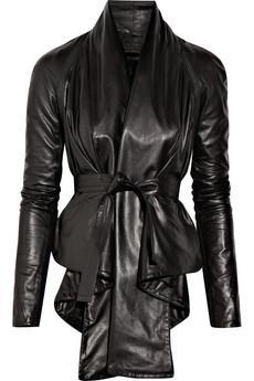 Aminaka Willmont  Ön kısmı uzun ve kemerli ceket