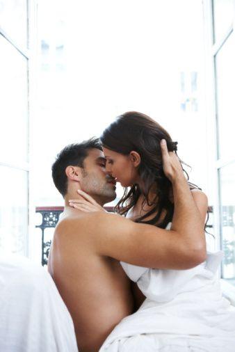 Boğa erkeğini baştan çıkaran seks oyunu:  Boğa erkeği her zaman ön sevişmeyi ister!  Boğa erkeği yatakta hakimiyet kuran kadından hoşlanır. Partnerinizin göğsüne dokunarak ve parmaklarınızı saçlarının arasında gezdirerek onu baştan çıkartabilirsiniz.