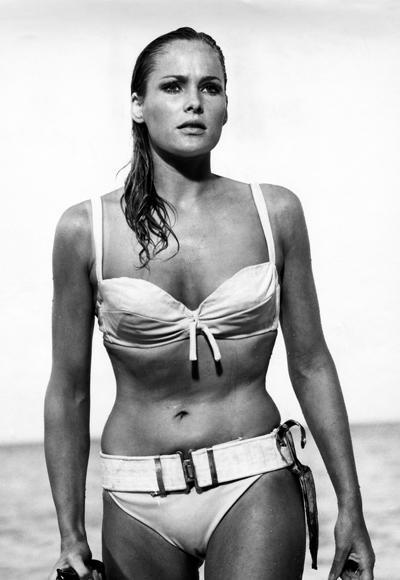 Ursula Andress'ın 1962 yılında Dr. No filminde giydiği beyaz bikini.