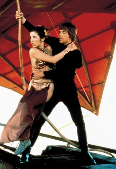 Carrie Fisher'in 1983 yılında çekilen Return of the Jedi filminde giydiği metalik bikinisi.