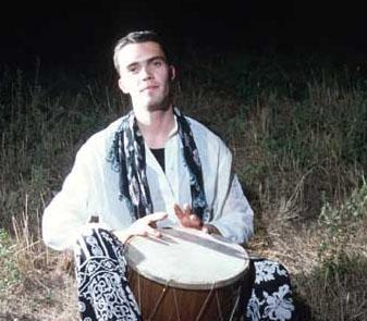 20 Mayıs 1994'te Demet Sağıroğlu'nun ilk albümü üzerinde çalıştığı sırada kısa süre önce aldığı motoru ile Etiler Koç köprüsü üzerinde Küfe Bar'daki programına gitmekte olan Demet Akbağ'ın park halindeki arabasına çarptı.   Ağır yaralandı, 11 gün süren bitkisel hayatın ardından, 31 Mayıs 1994 tarihinde saat 10.50'de öldü.   Şimdi onun adını Zeynep Tunuslu ile olan evliliğinden dünyaya gelen oğlu Uzay Kanat Heparı yaşatıyor. Eğer yaşasaydı bu yıl 40 yaşında olacaktı.