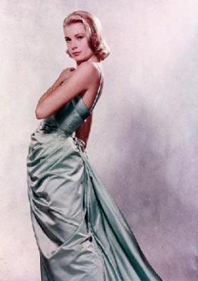 GRACE KELLY  Grace Kelly Hollywood'un en zarif ve güzel yıldızlarından biriydi.   Monaco Prensi Ranier'nin kalbini çaldı ve bu küçük ülkenin prensesi oldu.