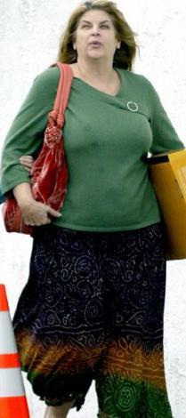 Alley artık aşırı kilolu bir kadın. Bunlardan kurtulmaya çalışsa da hayranları çoktan onu bu haliyle benimsedi bile..