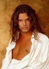 Rikcy Martin de bir zamanlar uzun saçlıydı..