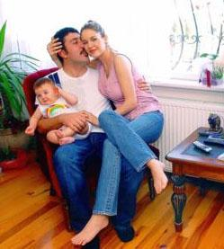 Emine Ün ile Emre Kınay'ın biricik kızı Duru..