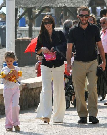 Monica Bellucci ile Vincent Cassel'in büyük kızları Deva hem annesinin hem babasının fiziksel özelliklerini taşıyor.