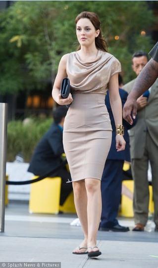 Leighton Meester de Victoria'yı çok beğenmiş olmalı ki aynı elbiseyi giymiş.