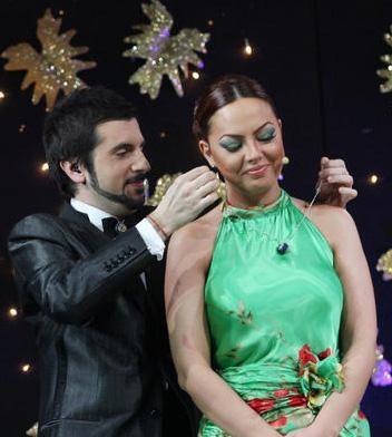 Popstar yarışmalarında bu kez de jüri üyesi- sunucu aşkı yaşandı.   Ebru Gündeş ile Osmantan Erkır arasında...