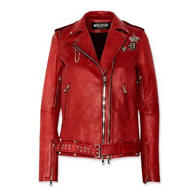 Balmain işlemeli kırmızı deri ceket  Lüks bir şeylere sahip olmak istiyorsanız, paranızı harcamak için bundan daha şık bir şey düşünemiyoruz. Biz 10.435 dolarlık bu ceketi dilek listemize ekliyoruz. Belki bir gün…