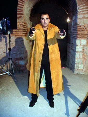 KUTUPLARDA NAMAZ  TV ekranlarının unutulmaz programlarından biri de Teksoy Görevde'ydi.