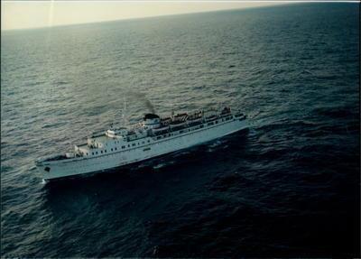17 Ocak 1996 akşam saatlerinde TV kanalları yayın akışını kesip flaş bir haber verdi:   Trabzon'dan Soçi'ye giden Avrasya Feribotu Çeçen eylemciler tarafından kaçırılmıştı.   Hemen kanallar canlı yayına geçti. Bu; tarihin belki de en ilginç gemi kaçırma olaylarından biriydi.