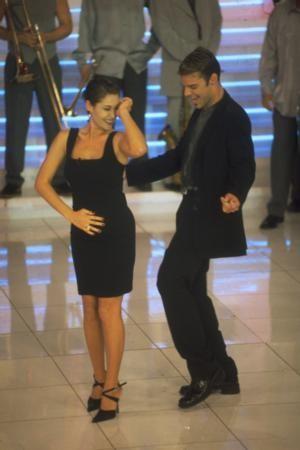 AVŞAR'IN KONUĞU RICKY MARTIN  1990'ların sonunda Hülya Avşar'ın sunduğu şov programı en çok izlenen yapımlardan biriydi.