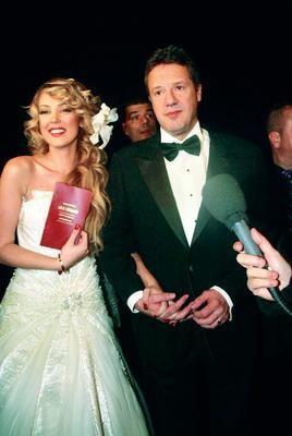 Çift Beyaz Show'da milyonlarca kişinin gözü önünde evlendi. Ama bu evlilik bir süre önce sona erdi.