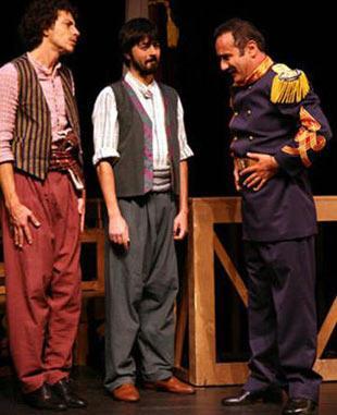 O DA SON NEFESİNİ SAHNEDE VERDİ  Hayata sahne veda eden aktörlerden biri de Halil Ayan.