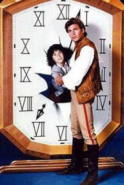 SET KAZASI ÖLÜMÜNE NEDEN OLDU  Ülkemizde 1980'li yıllarda gösterilen Zamanda Yolculuk adlı dizinin başrol oyuncusu John Eric Hexum, 1984 yılında henüz 27 yaşındayken inanılmaz bir kaza sonucu öldü.