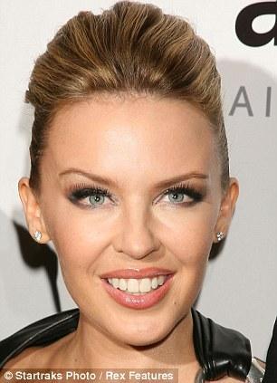 Kylie Minogue 2010 yılı botoks sonrası