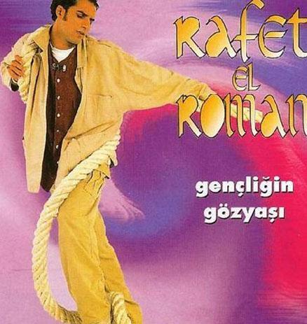 Rafet El Roman, Gençliğin Gözyaşı adlı albümüyle çıkış yapmıştı.
