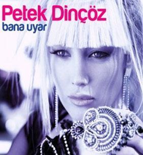 Son albümünün kapak fotoğrafında ise bambaşka bir Petek Dinçöz var.