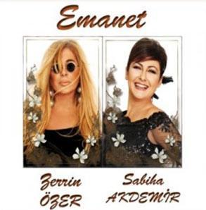 Özer'in son albümü...   Ünlü şarkıcı bu albümü çıkardıktan sonra kilo verdi ve saç rengini de değiştirdi.