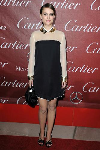 Natalie Portman, bale koreografı olan nişanlısı Benjamin Millepied ile bir bebek bekliyor.