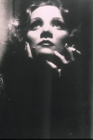 Lola Lola rolüyle dünya çapında ünlenen Dietrich ile özdeşleşen filmin yapım tarihi ise 1930.  (Hürriyet)