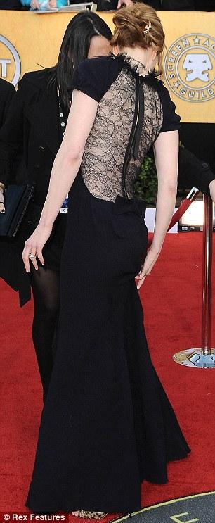 Nicole Kidman Nina Ricci tuvaleti ve Fred Leighton gerdanlığıyla çok şıktı.