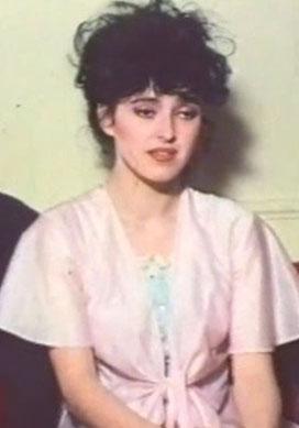 Bir dönem müzisyen İskender Paydaş ile evli olan Özdemiroğlu son olarak 2002'de Kumsaldaki İzler'de rol aldı.