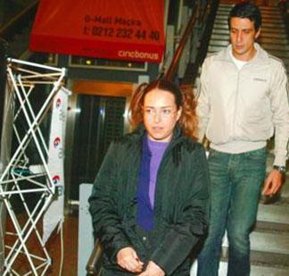 Bir dönem müzisyen İskender Paydaş ile evli olan Özdemiroğlu, bir sonraki evliliğini Murat Erberger ile yaptı.
