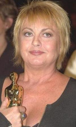 2002'de Antalya Altın Portakal Film Festivali'nde Martılar Açken adlı filmle Altın Portakal kazandı.