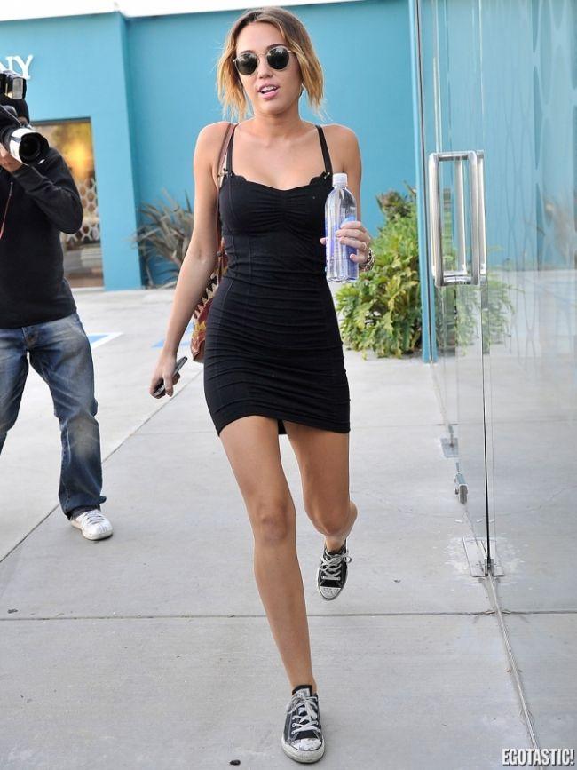 Skandallar kraliçesi Miley - 12