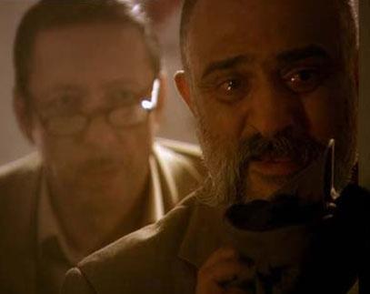 Güllü'nün babası Cemşir'in oe yüzü hiç gülmüyor..   Sık sık şeytani planlar yapıyor ama hiçbiri işe yaramıyor. Son olarak oğlu Hamza'nın idamıyla dünya başına yıkıldı.