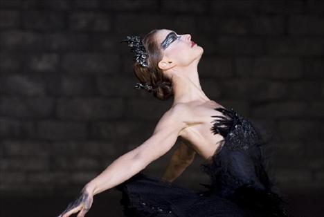 """En İyi Kadın Oyuncu:  Natalie Portman """"Black Swan"""""""