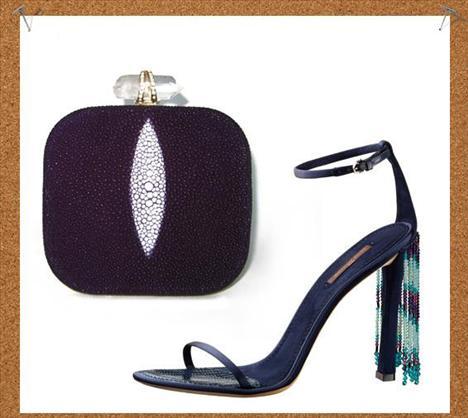 Hollywood esintileri  Louis Vuitton'un bilekten bağlı bu sandaletleri ve Marchesa'nın amethist ve kristallerle süslü bu clutchı size de kırmızı halıdan kopup gelmiş gibi görünmüyor mu?