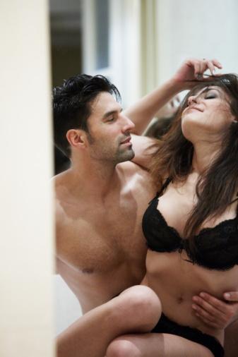17- Rahat bir tempoda çalışan kadınlar, stres içinde çalışanlara göre daha sık ve kolay orgazm oluyorlar.  18- Her üç kadından biri, çalışma hayatının seks performansını olumsuz etkilediğini düşünüyor.