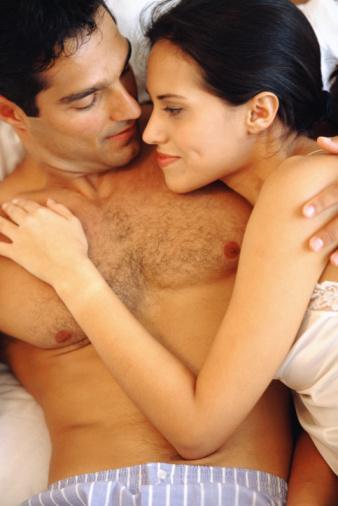 52- Haftada üç kez seks yapan insanlar, dört ila yedi yaş daha genç gözüküyor. 53- 20. Düzenli olarak haftada bir seks yapmak, bağışıklık fonksiyonlarınızı yüzde 30 oranında güçlendiriyor. 54- Seks sırasında salgılanan kimyasallardan biri olan oksitosin hormonu, ağrıları yarı yarıya azaltıyor.