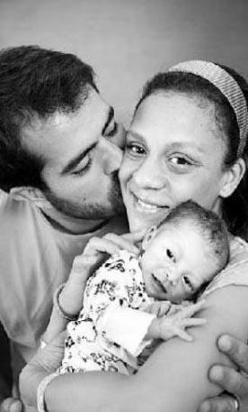 """Foster, ölümünden önce verdiği bir röportajda da bu Sevgililer Günü'nü """"iki aşkıyla"""" yani kocası İlker Yasin ve oğlu Can ile kutlayacağını söylemişti."""