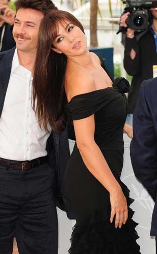 Filmin müzikleri de Zülfü Livaneli tarafından hazırlanıyor.