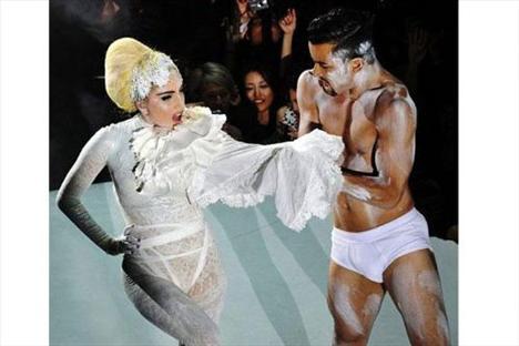 Lady Gaga - 183