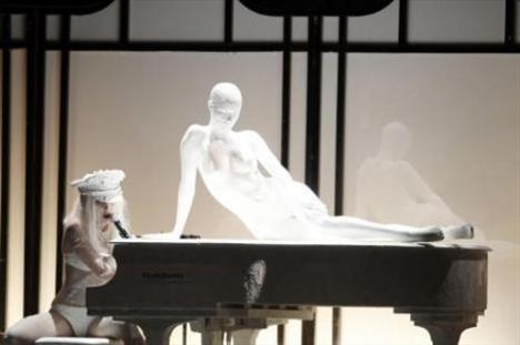 Lady Gaga - 200