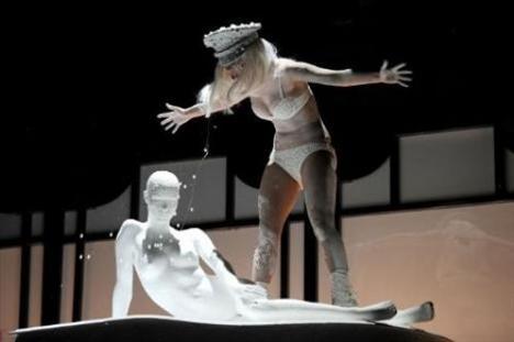 Lady Gaga - 220